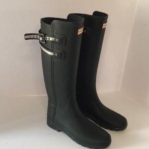 Hunter tall matte black rubber rain boots